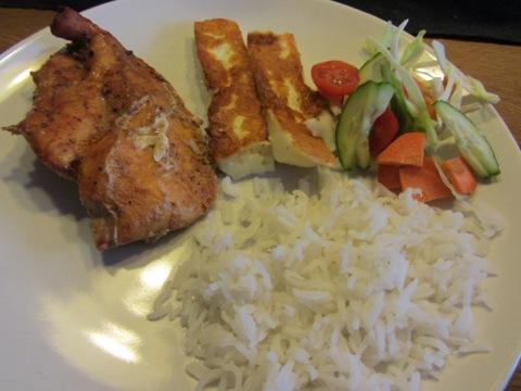 Kyckling, Grilloumi, ris, grönsaker, kvarg och sås