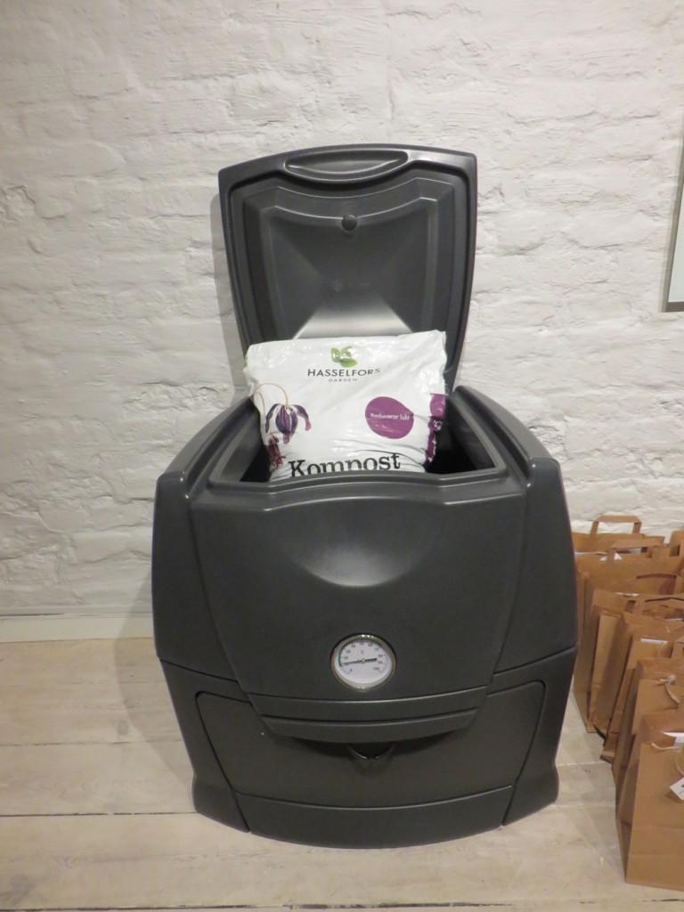 Hasselfors erbjuder allt rån KRAV-märkt jord och naturgödsel till kompostbehållare
