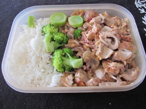 Flygande Jakob med ris och broccoli