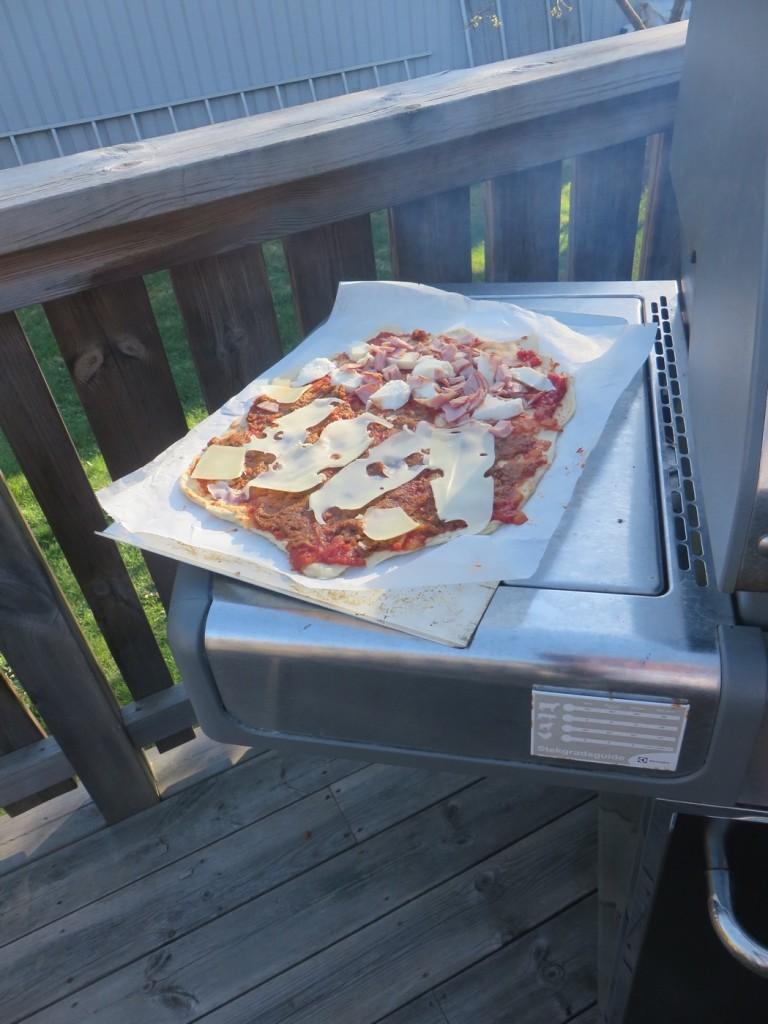 Baka pizza på grillen