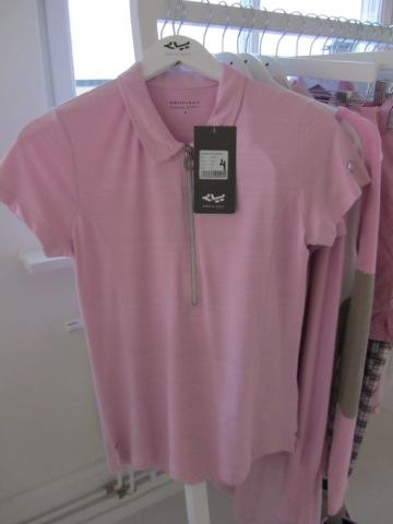En tröja ur golfkollektionen som fungerar lika bra till vardags