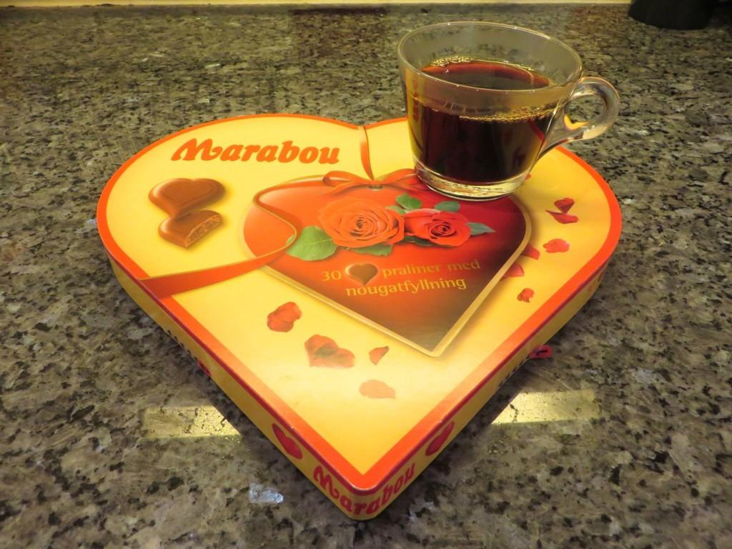 Njut av en god kopp kaffe till din favoritchoklad mmmmmm......!