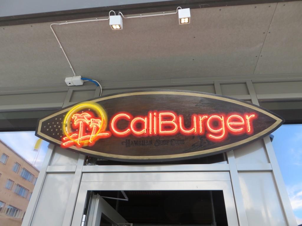 Hamburgerkedjan CaliBurger har landat i Sverige