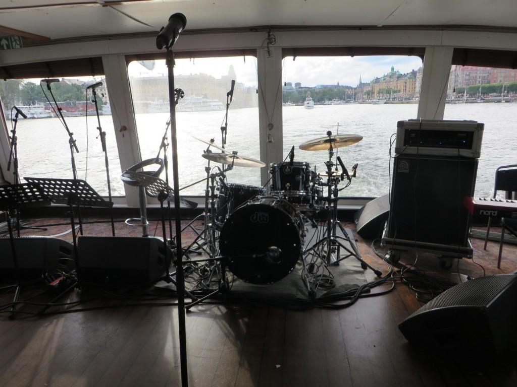 Bästa bordet med närhet till bandet och bästa utsikten!
