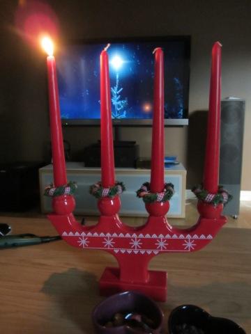 Första ljuset är tänt för advent 2013