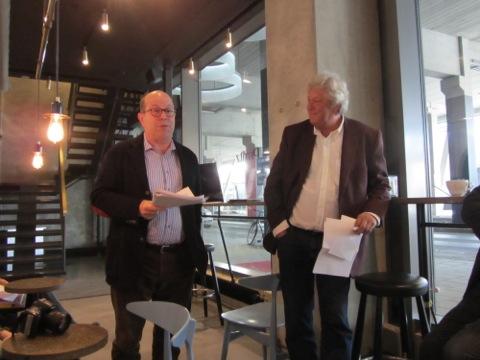 Jan Scherman och Ulf Elfving håller i programmet under Korvfestivalen 2014