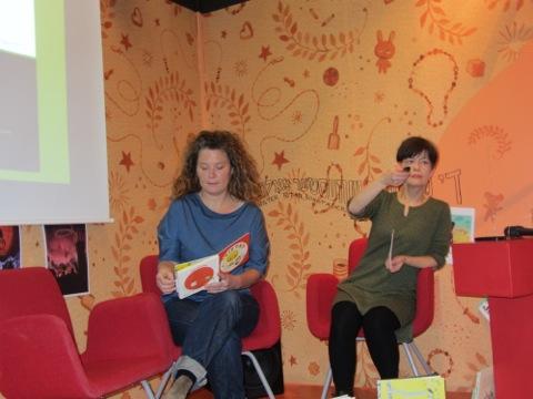 Stina Wirsén läser ur sin senaste bok Titta!