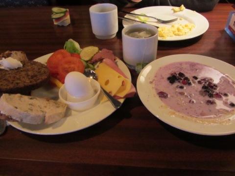 God och fräsch frukostbuffé