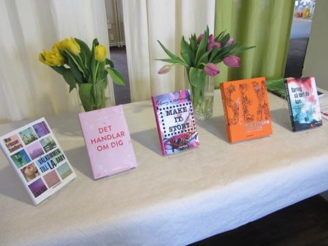 Ett urval av vårens nyheter i ungdomsbokhyllan