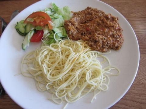 En (första) portion spaghetti och köttfärssås