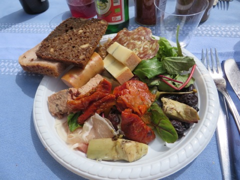 En första portion av den underbara maten