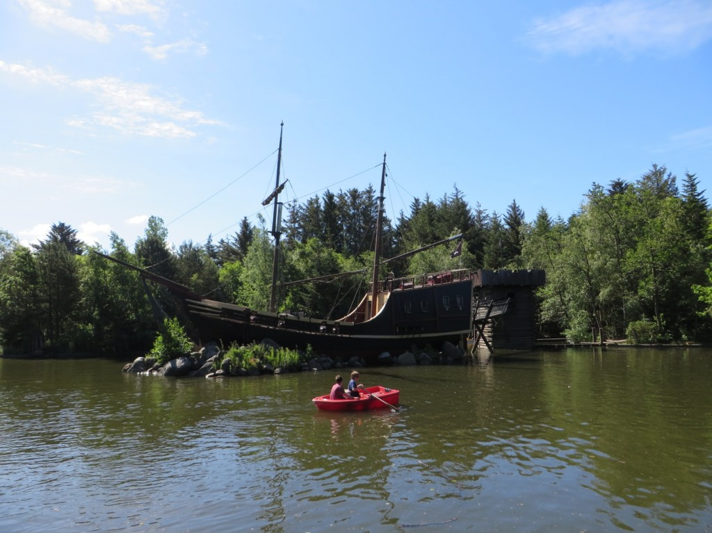 Parken bjöd på stora grönytor och mysiga sjöar