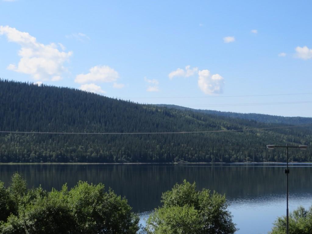 Åresjön ligger blank och vacker