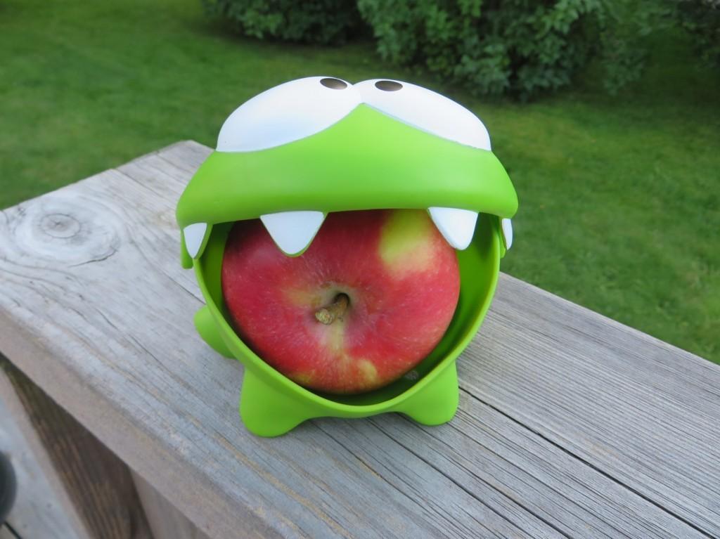 Hållaren för äpple följer med Gus till skolan