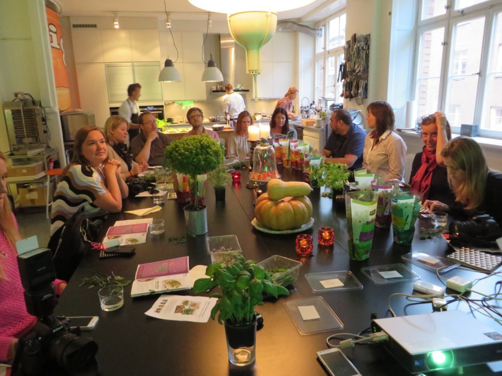 Glada och hungriga bloggare