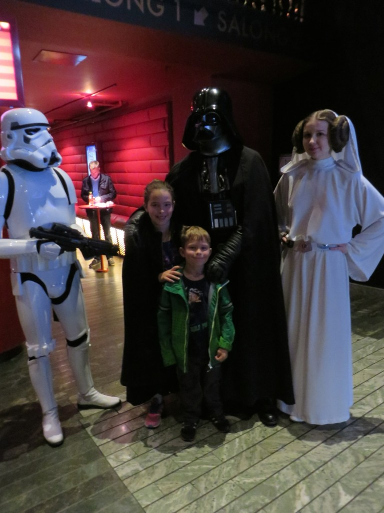 Leia, Darth Vader och en Clone
