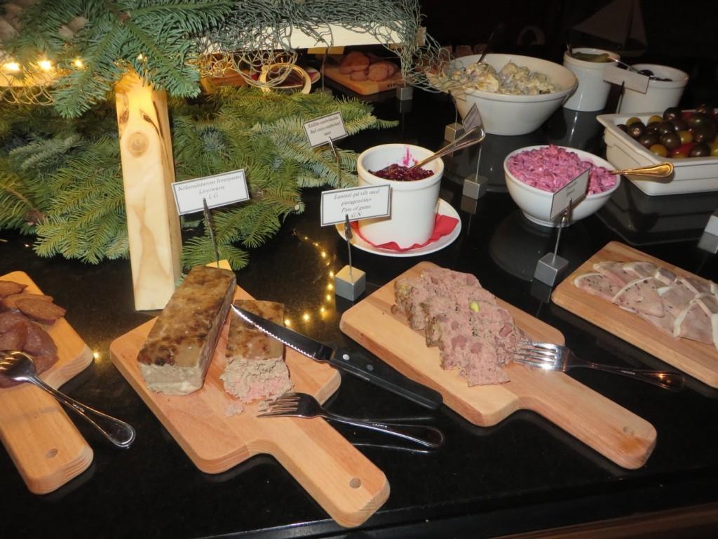 Klassiskt julbord a la Rökeriet