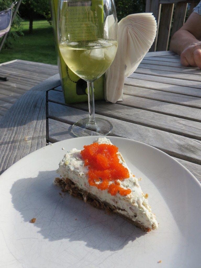 Läcker cheesecake av lax