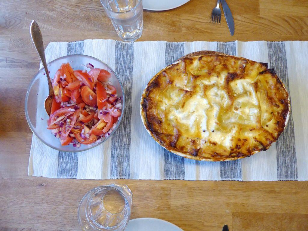 Torsdag - Vegetarisk lasagne med tomatsallad