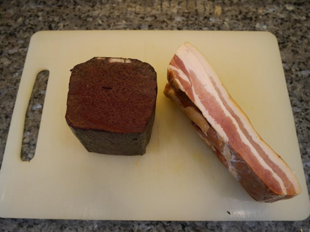 Karlssons blodpudding och bacon i bit.
