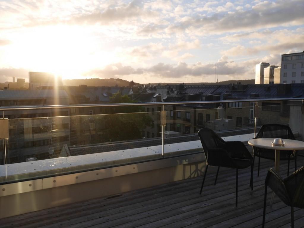 Soluppgången kunde avnjutas från altanen.