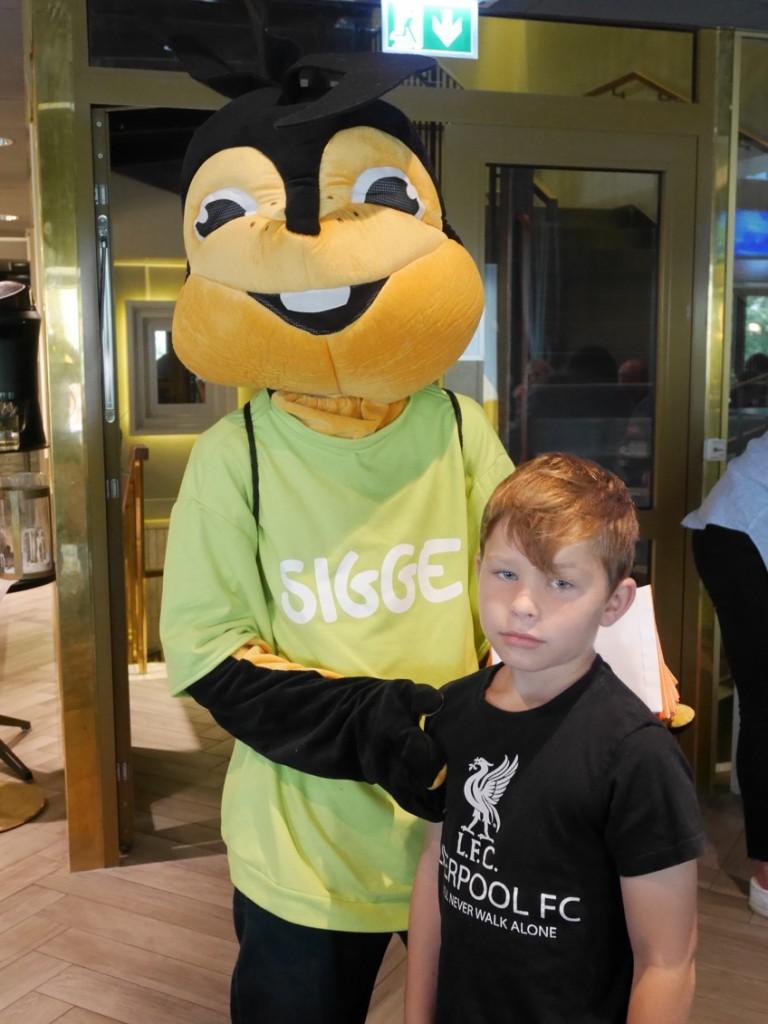 Nej, man vill inte krama Sigge när man är 9 år.