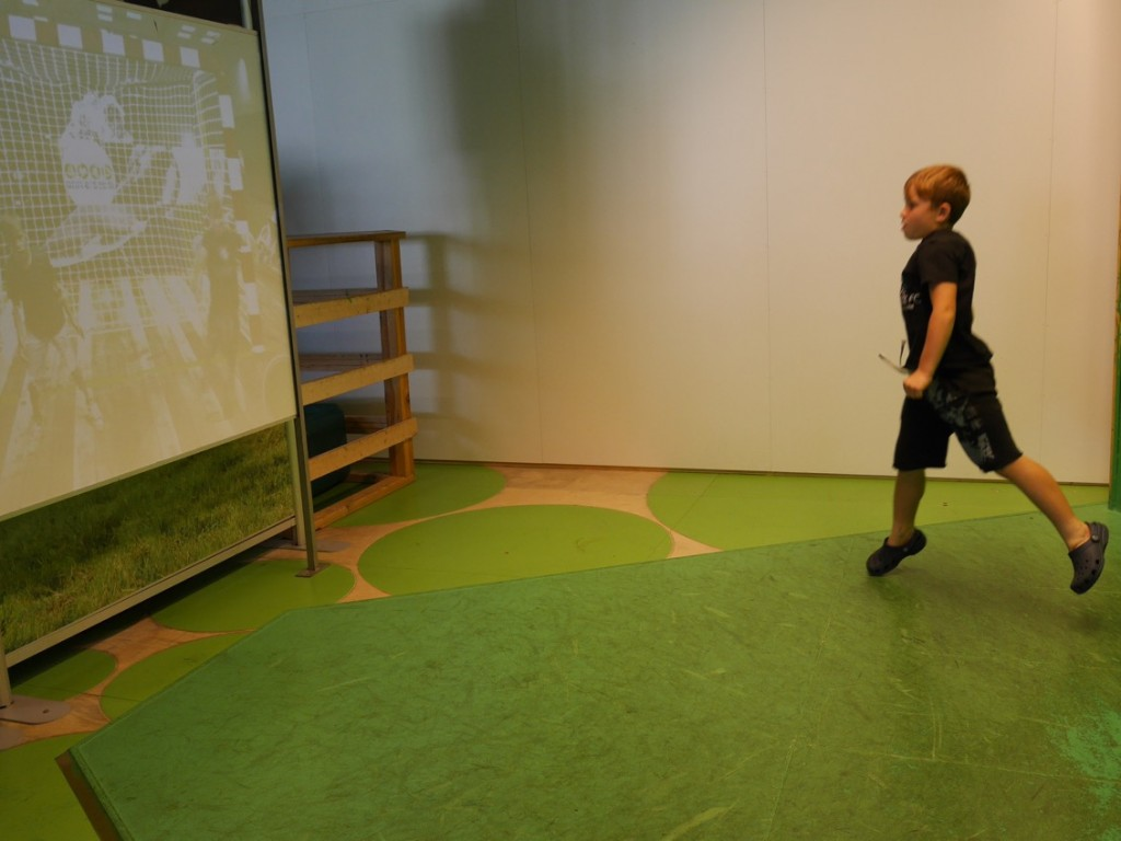Fotbollsspel i utställningen Explora.