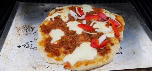 Godaste pizzan gör du på grillen
