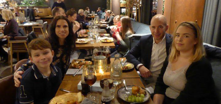 Sunday Brunch & Games på restaurangenCampfire Grill & Bar