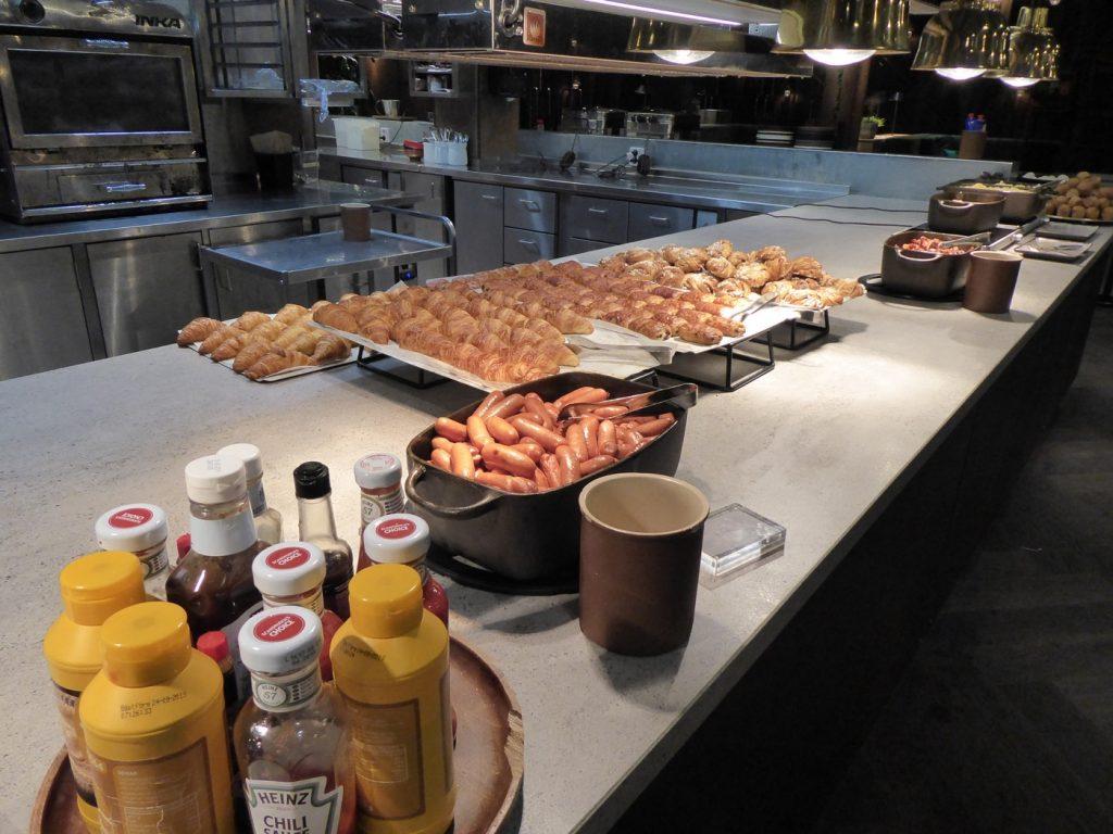Smått och gott av det varma på frukosten.