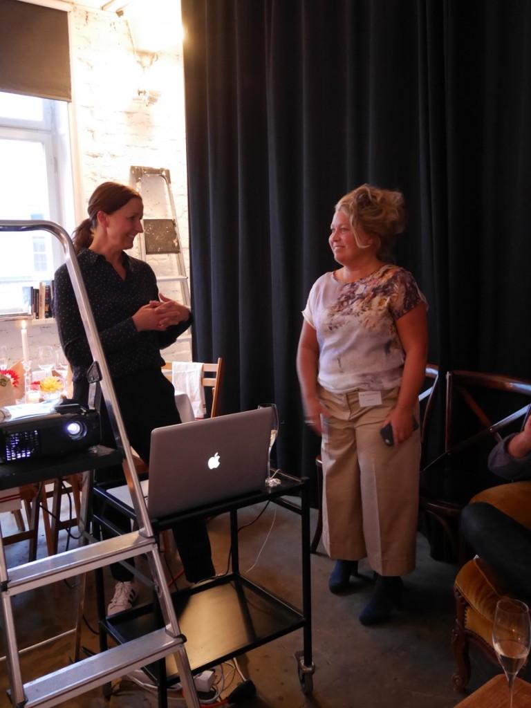 Matilda Lindeblad och Sofija T. Strindlund ger oss tips kring fotografering av mat och vin.