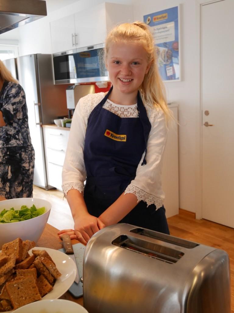 Magnus har tagit hjälp av Signe Strålin, Sveriges yngsta mästerkock 2016.