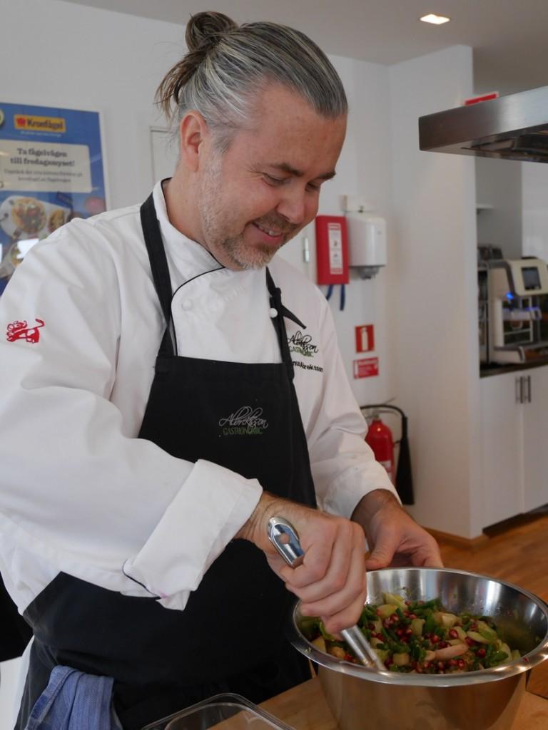 Kronfågels fantastiska kock Magnus Albrektsson.