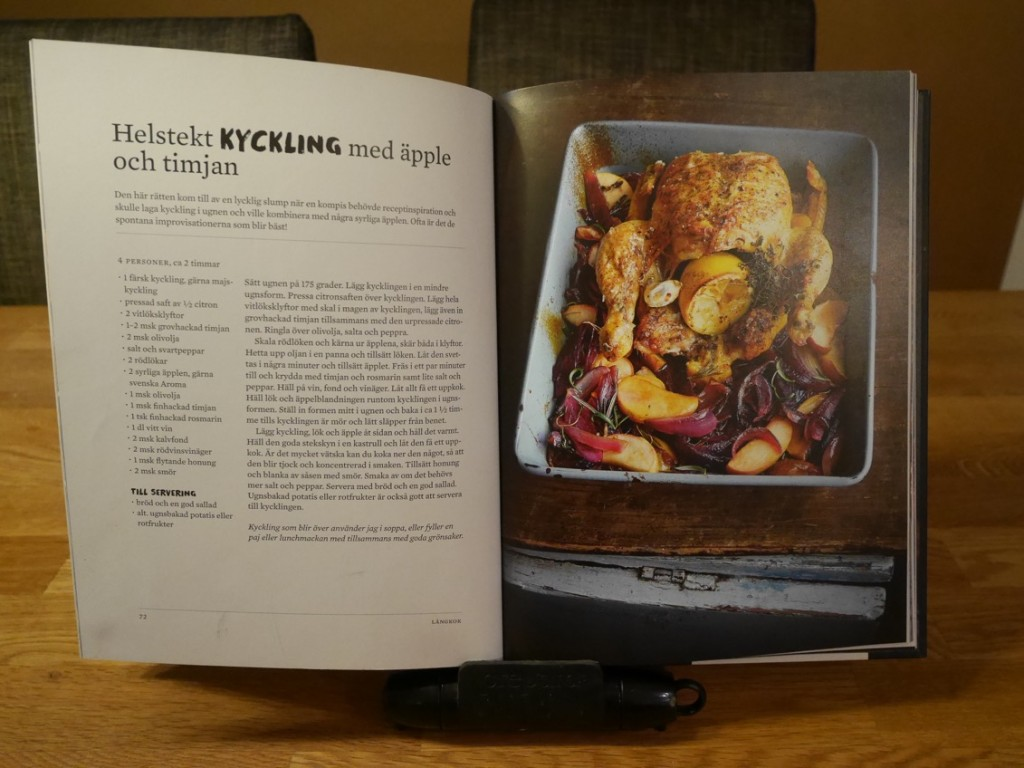 Helstekt kyckling med äpple och timjan