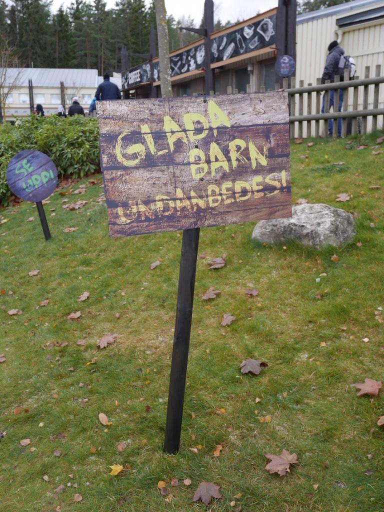 Glada barn är inte välkomna till parken under Halloween :-) !