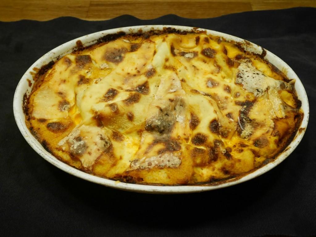 En klassisk lasagne men där den vanliga pastan är ersatt med bönpasta.