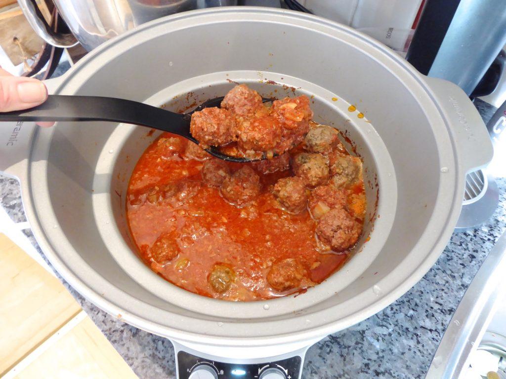 Ljuvliga köttbullar i tomatsås i Crock Pot