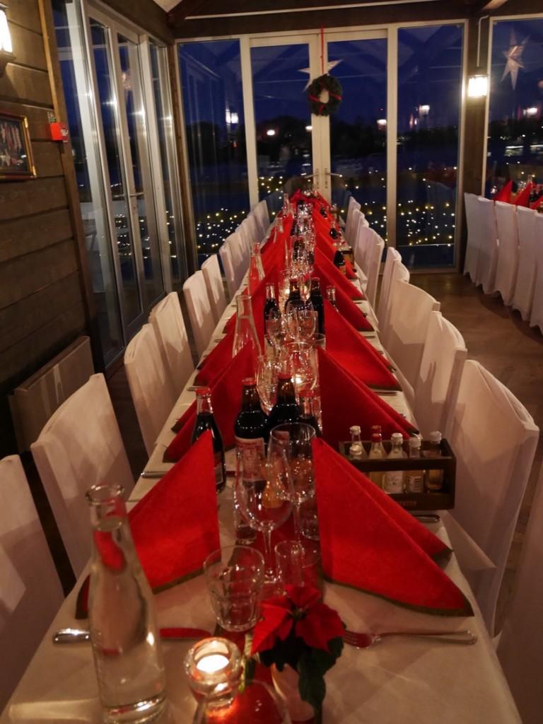 Vackert dukade bord.