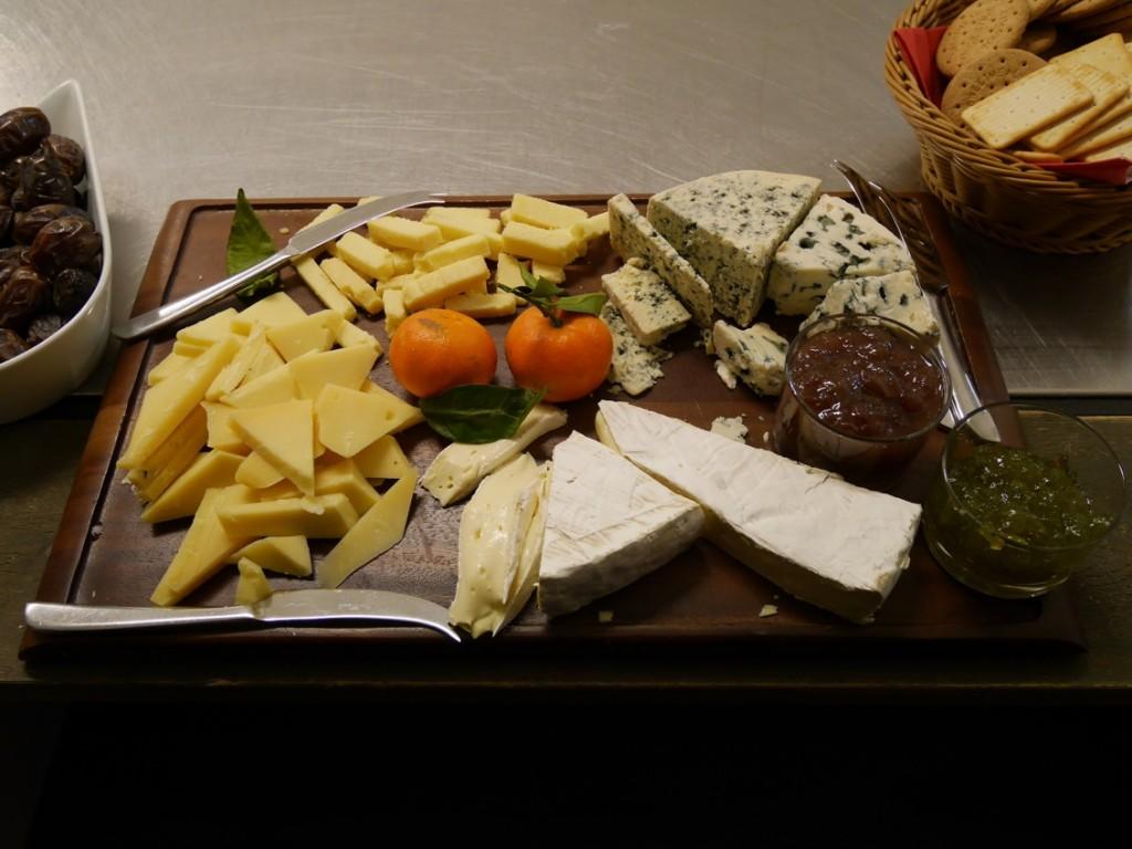 Kex, ost och marmelader.