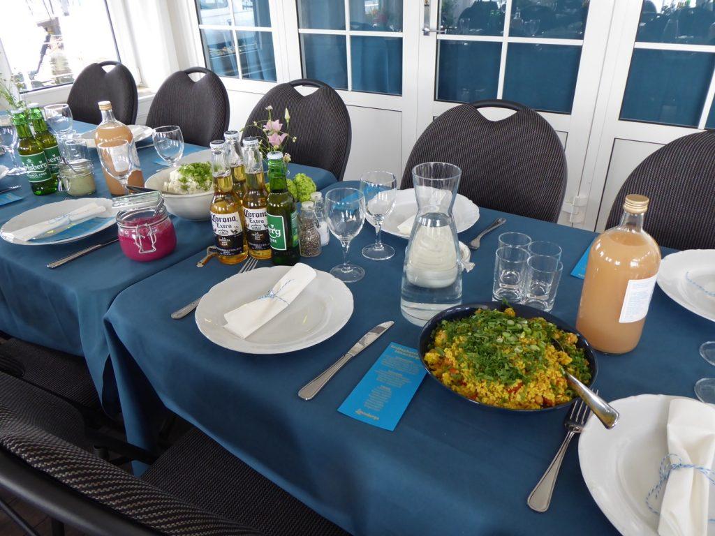 Drömmen att sätta sig vid ett så fint dukat bord!