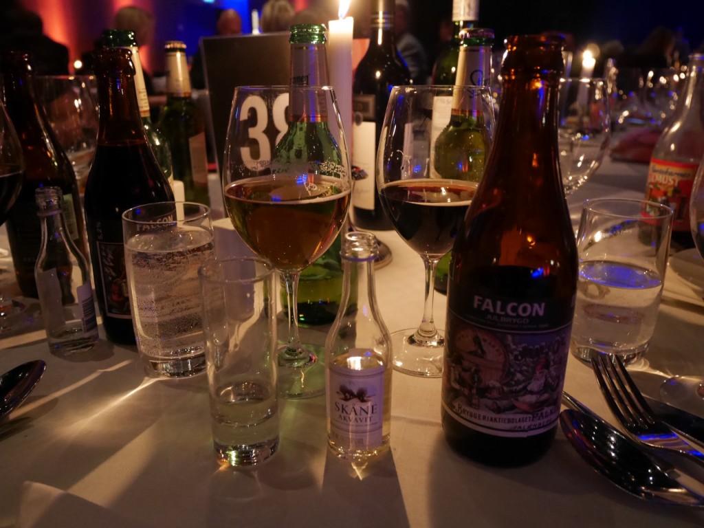Vi hade lagt till för dryckespaket till hela familjen men det blev inte mer än en öl och en snaps.