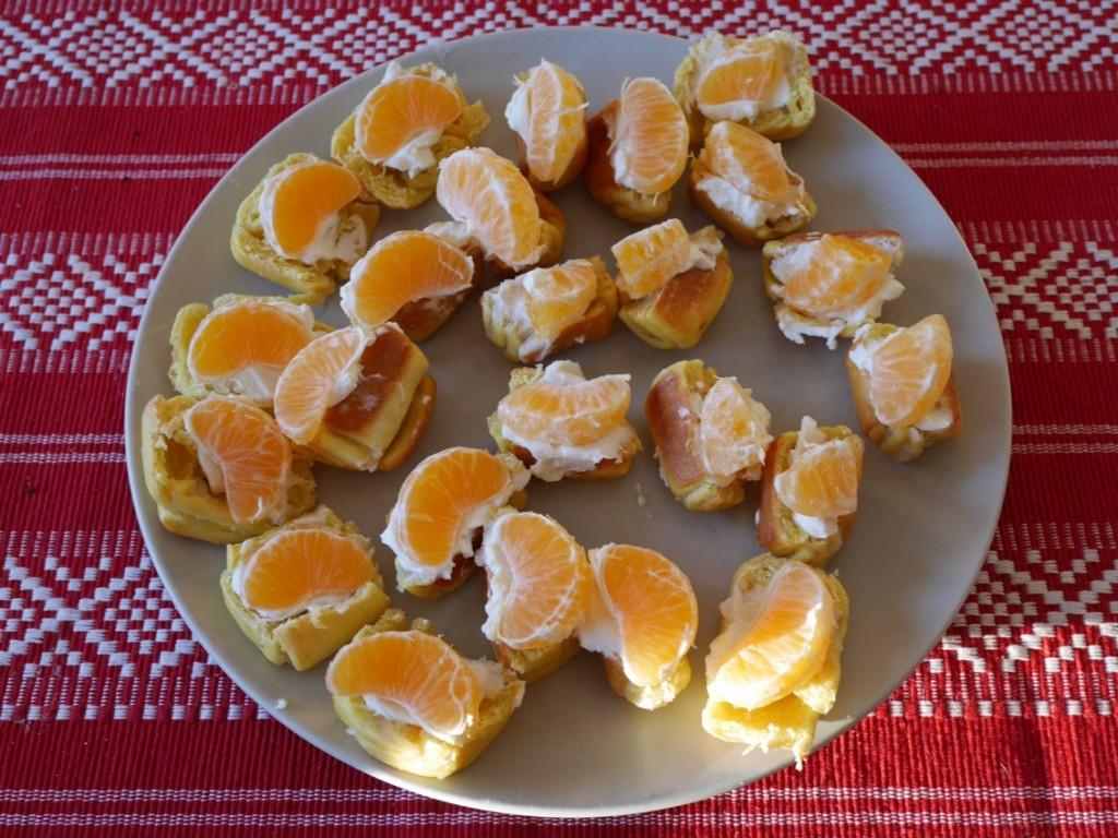 Saffranssnittar med färskost och mandarin