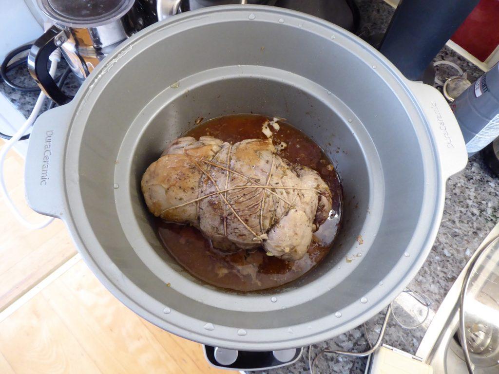 Lammstek med ugnsbakade schalottenlökar i Crock Pot