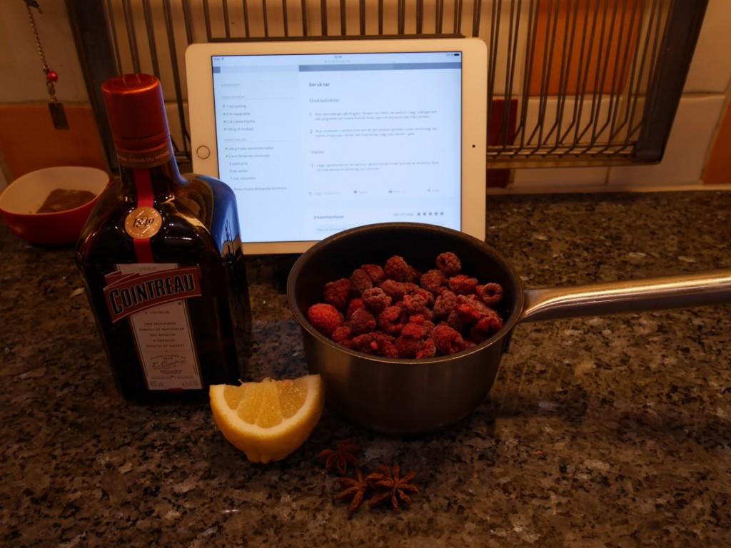 Ingredienser till varma hallon.