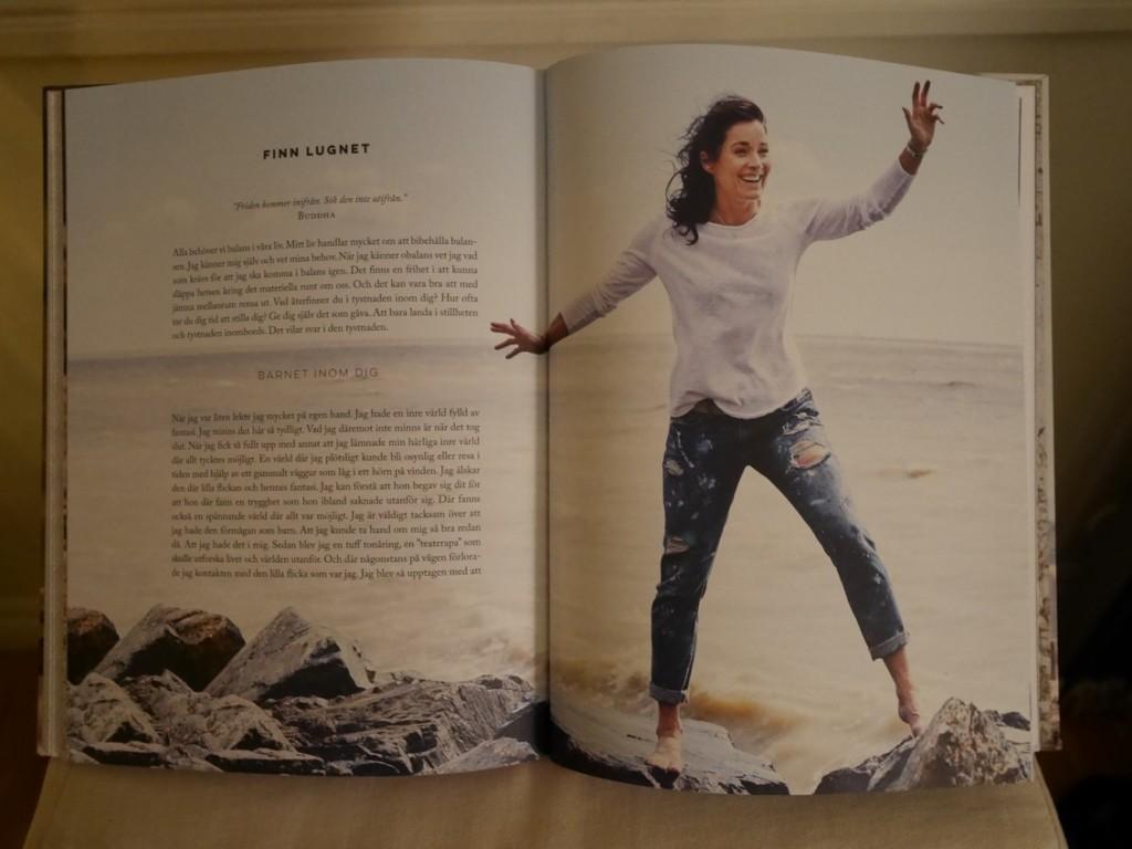 Boken är full av kloka ord och vackra bilder.