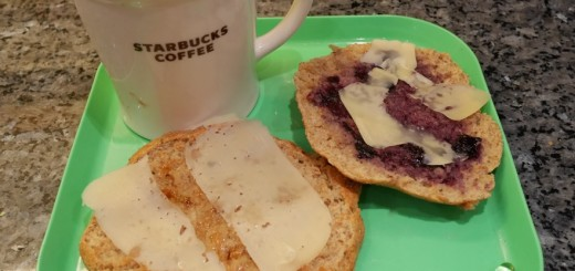 Jag äter gärna mina scones med smör, marmelad och ost - MUMS!