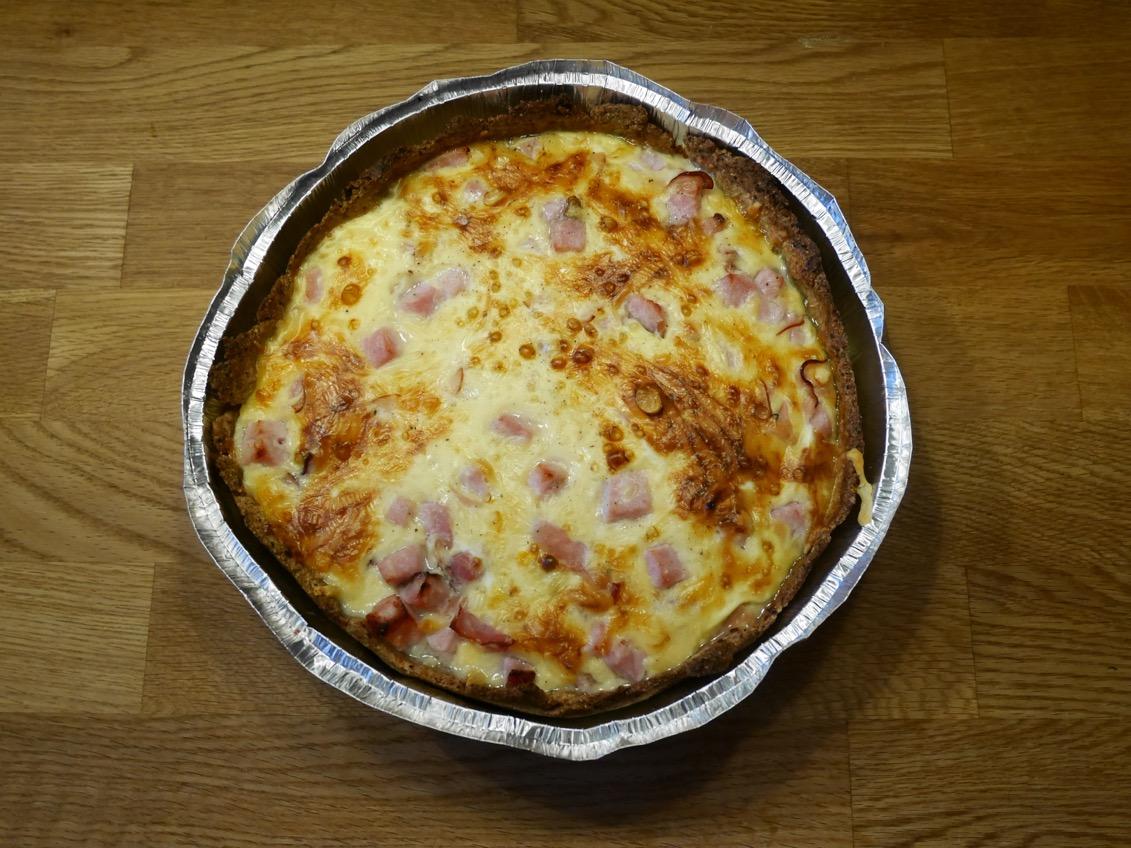 ost och skinkpaj med färdig pajdeg