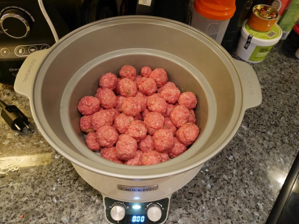 Första gången jag testar att laga köttbullar i Crock-pot.