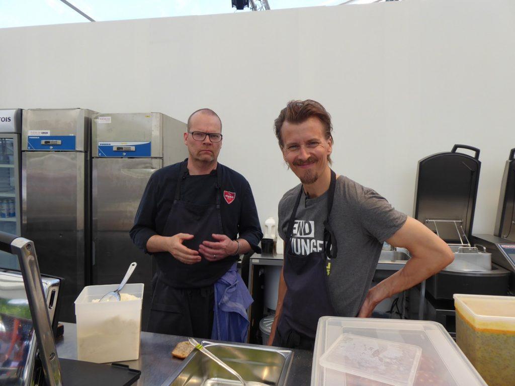Under hela festivalen säljs även prisvärda påsar med räddad mat och recept från kända kockar som Paul Svensson.