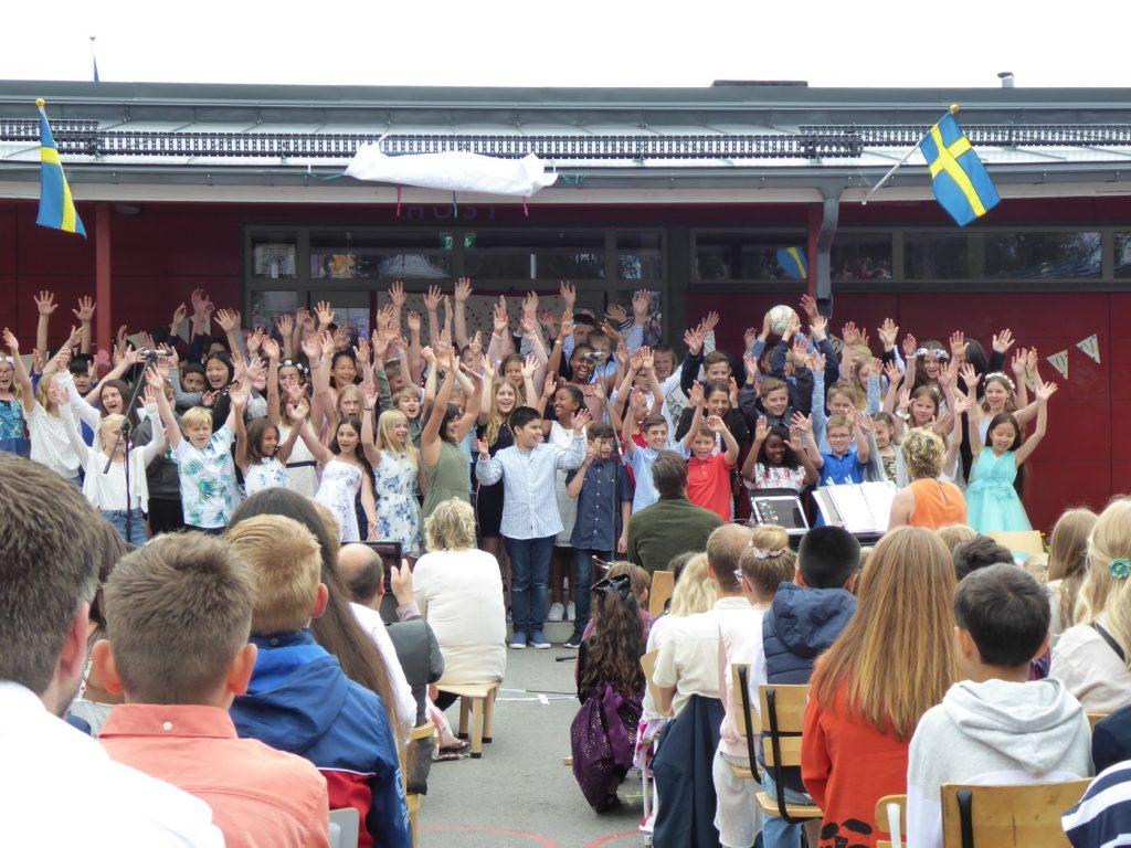 Hej då Olovslund och Hej då alla lärare!